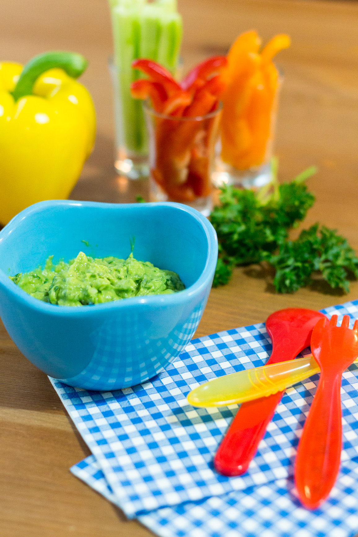 Colorful healthy skinny snack: Creamy avocado dip #FRD2014
