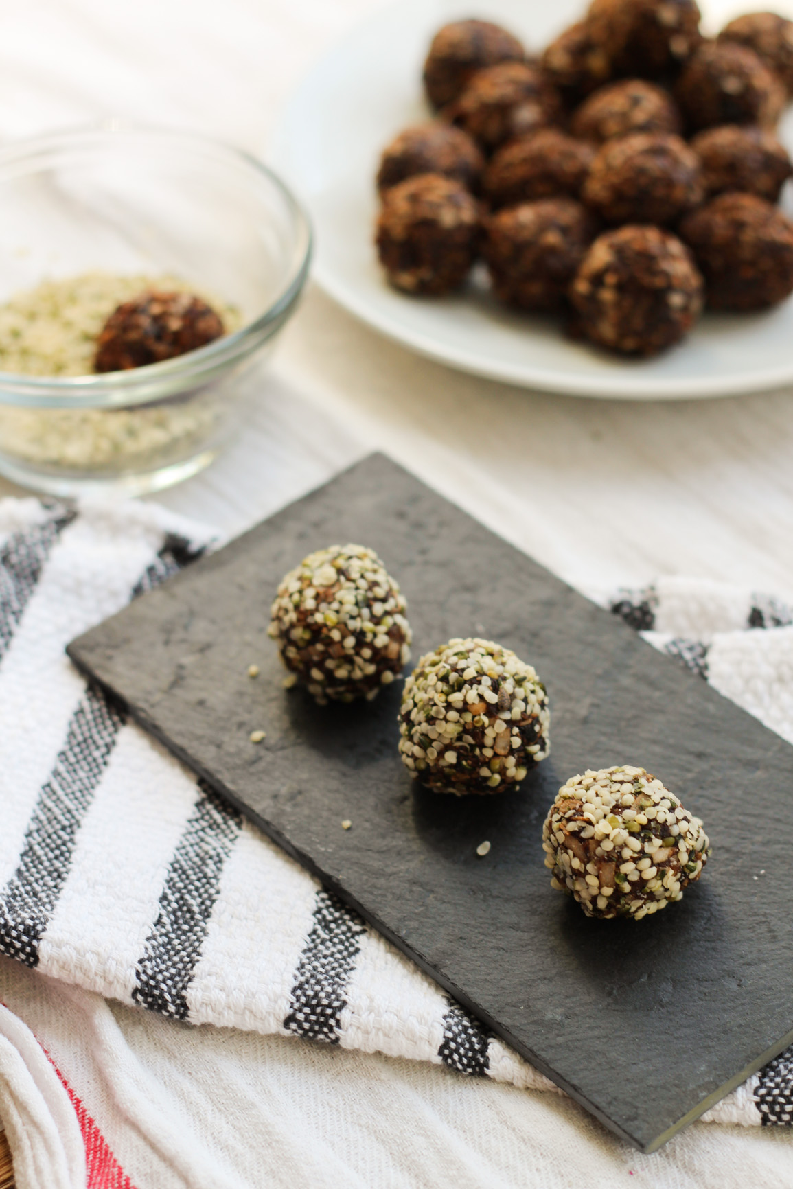 Irresistible vegan hemp date bites